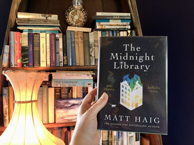 The Midnight Library, Matt Haig. Book review by The Travelling Bookbinder