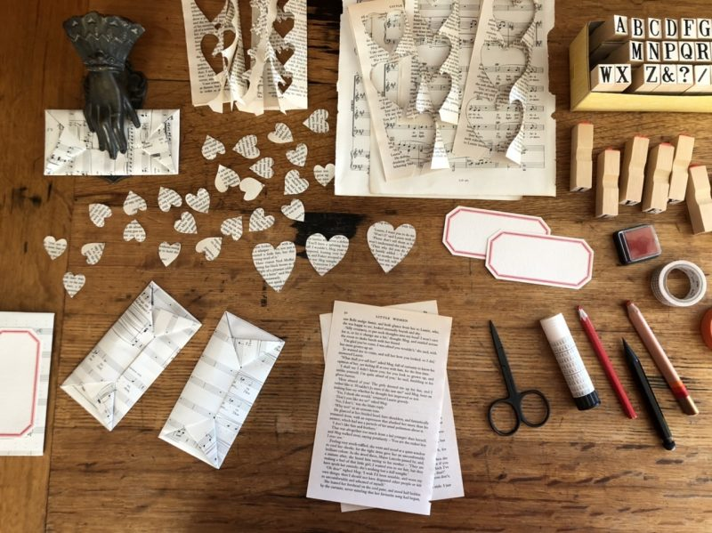 The Travelling Bookbinder: Heart Confetti: You'll need