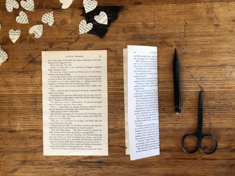 The Travelling Bookbinder: Heart Confetti: First fold