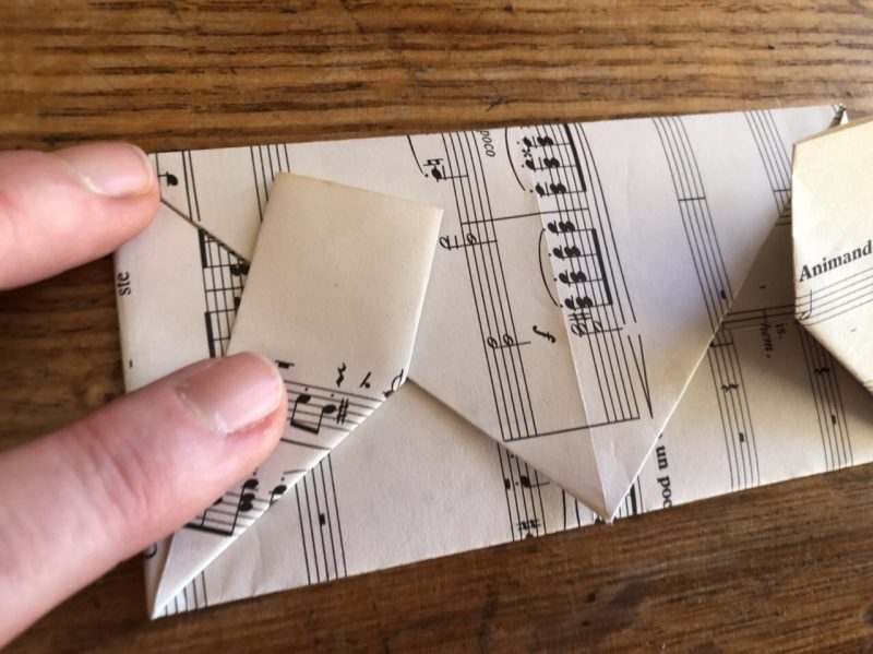 The Travelling Bookbinder: Heart Confetti: Angle fold