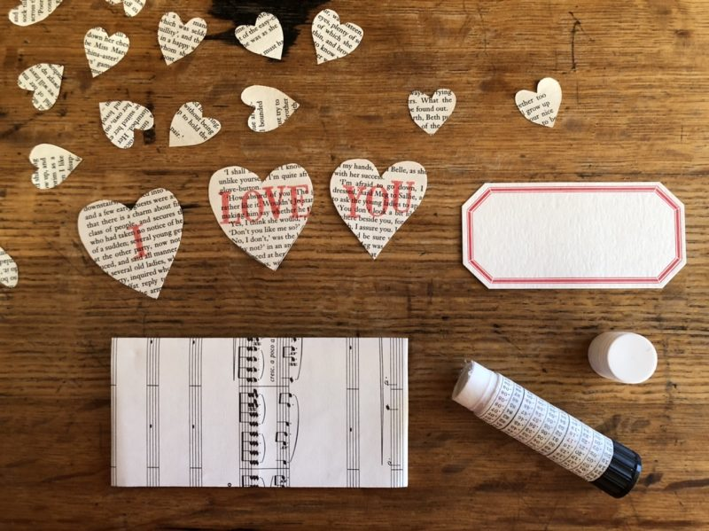 The Travelling Bookbinder: Heart Confetti: Add address label