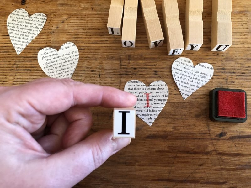 The Travelling Bookbinder: Heart Confetti: Get stamping