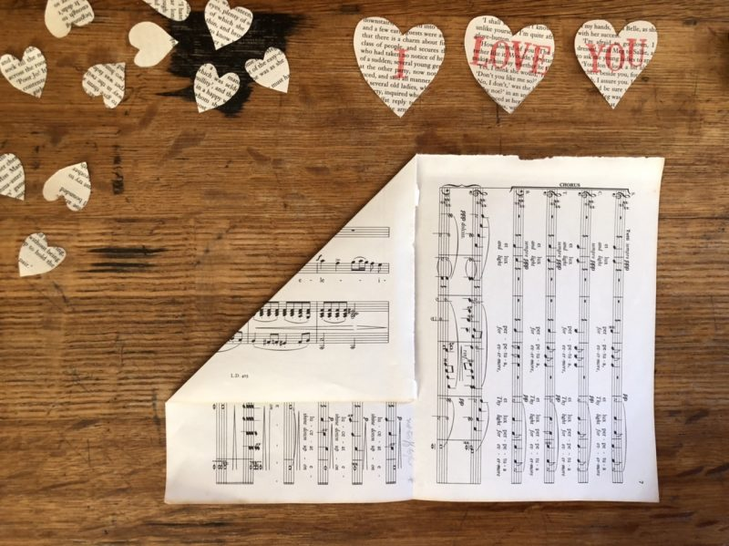The Travelling Bookbinder: Heart Confetti: 2nd envelope fold
