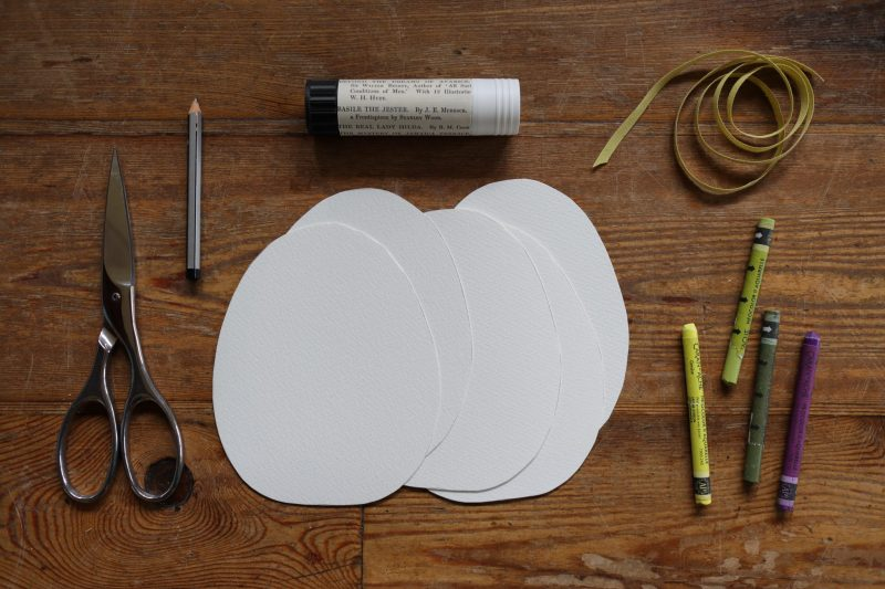 The Travelling Bookbinder: How to project: Egg book. Cut egg shapes